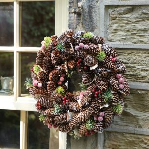 Frosted Berries Christmas Wreath